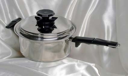 4 qrt. vacumatic waterless cookware