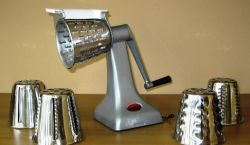 silver             food cutter